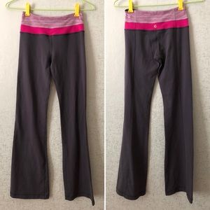 Lululemon Groove Pant in Coal and Raspberry